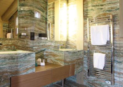 onyx-quartz-smeraldo-1-molfetas-marmara-granites-ioannina
